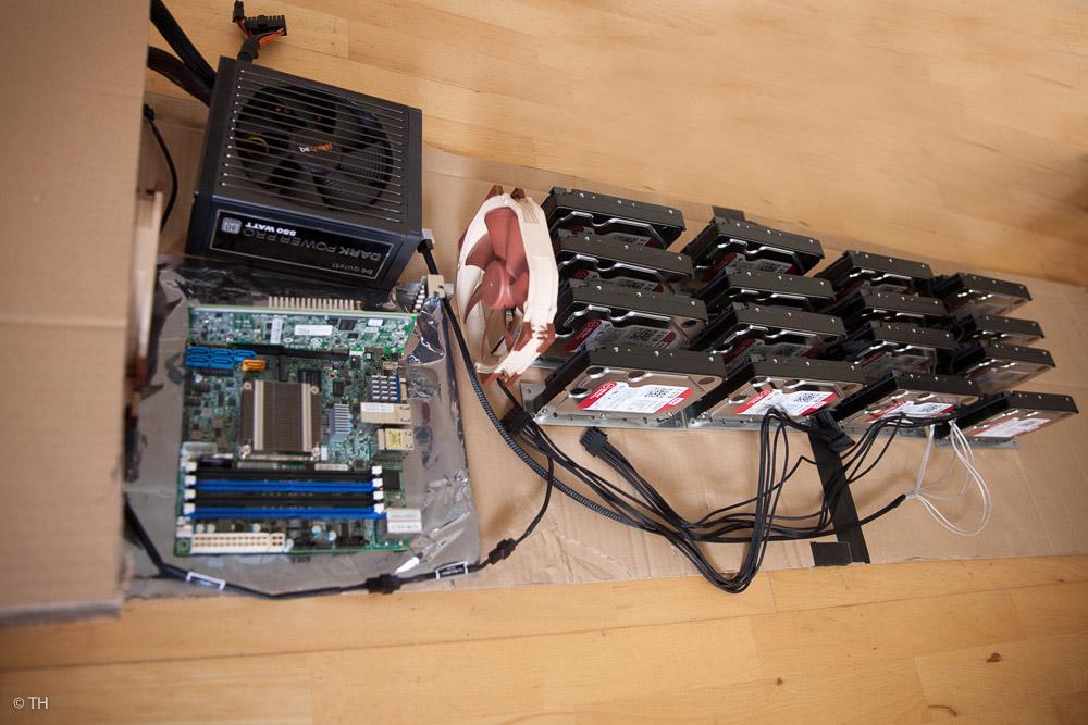 Serverbau Kartonmodel